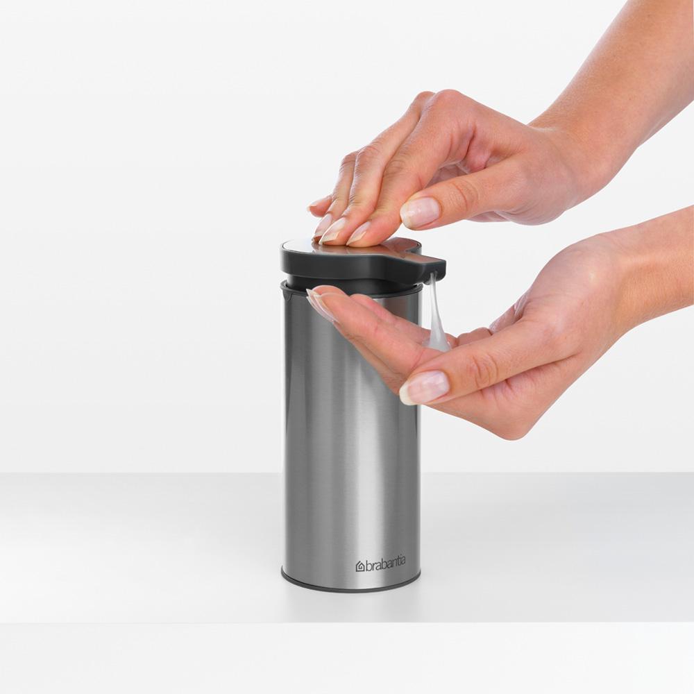 Дозатор за течен сапун Brabantia Matt Steel Fingerprint Proof(3)