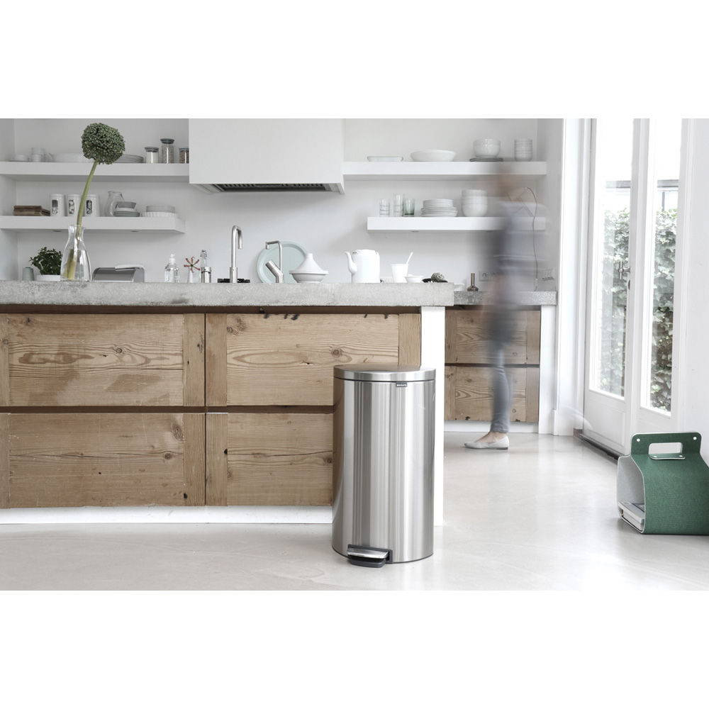 Кош за смет с педал Brabantia FlatBack+ 30L, Matt Steel Fingerprint Proof(6)