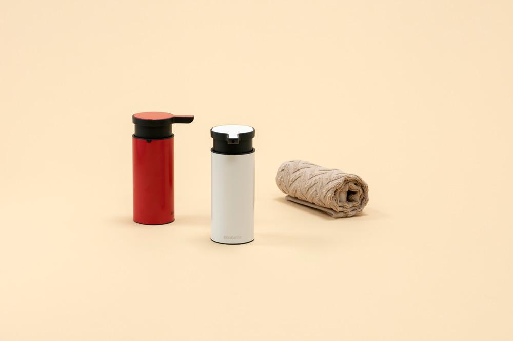 Дозатор за течен сапун Brabantia Passion Red(5)