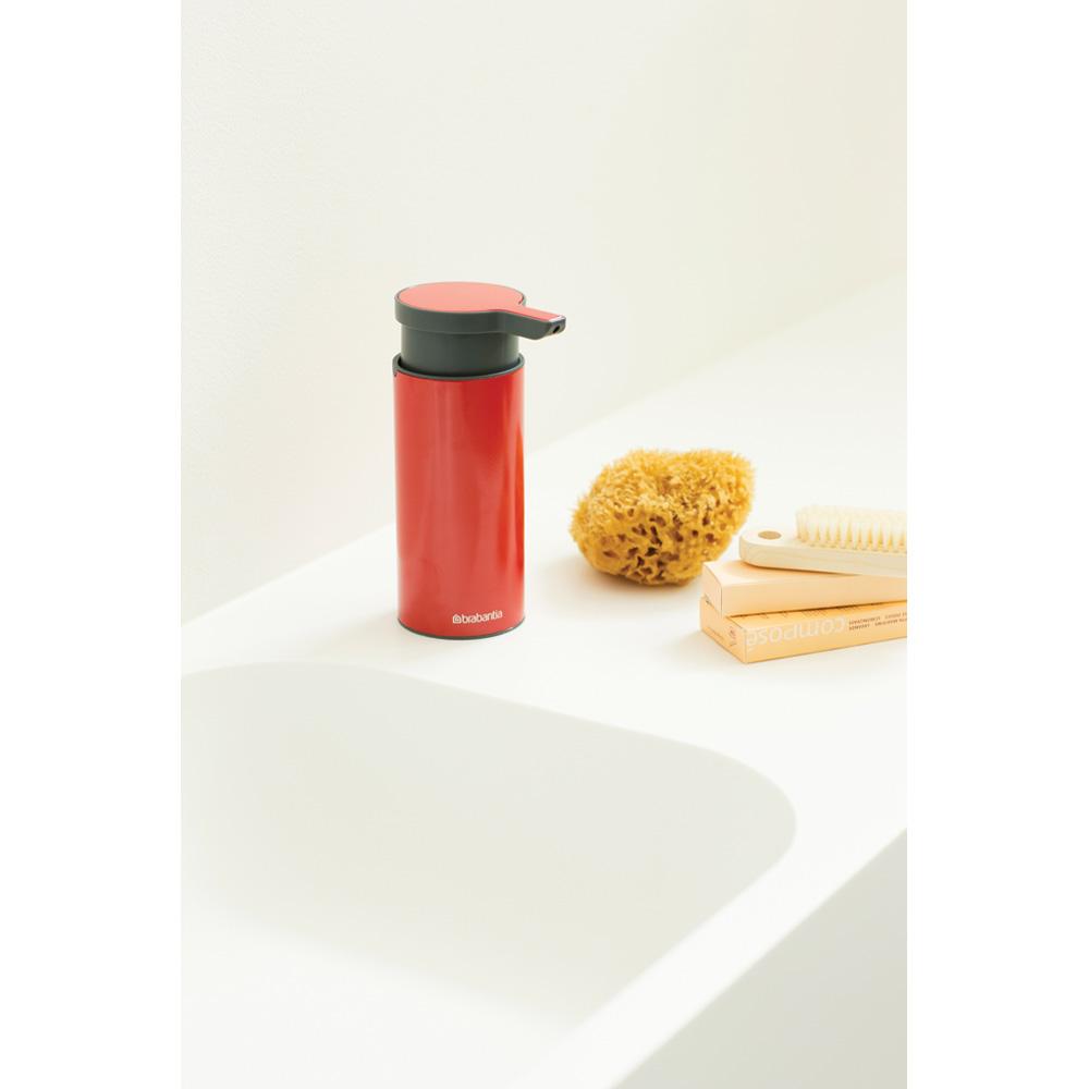 Дозатор за течен сапун Brabantia Passion Red(6)