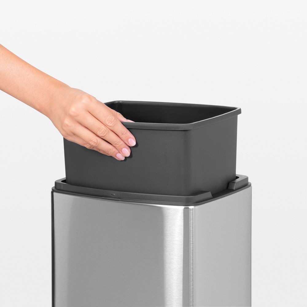 Кош за смет Brabantia Touch Bin 10L, Matt Steel Fingerprint Proof(12)