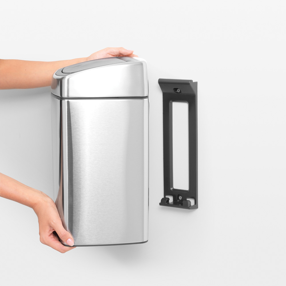 Кош за смет Brabantia Touch Bin 10L, Matt Steel Fingerprint Proof(6)