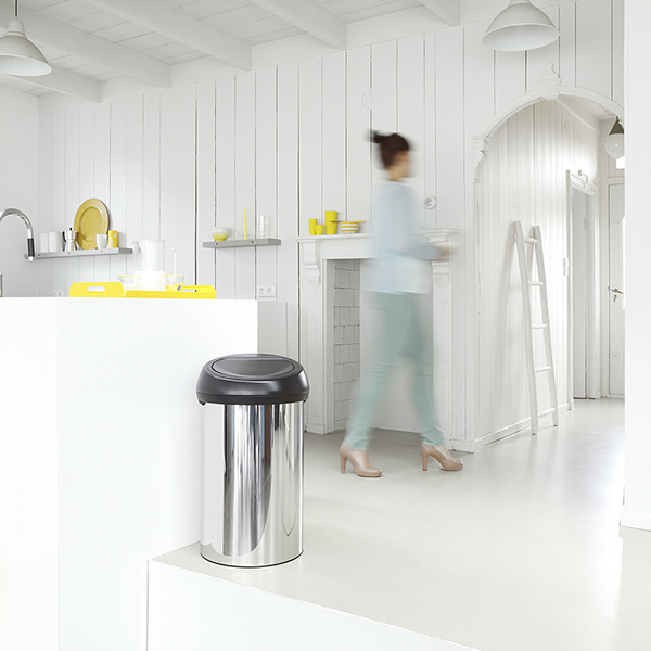 Кош за смет Brabantia Touch Bin 60L, Brilliant Steel, черен капак(1)