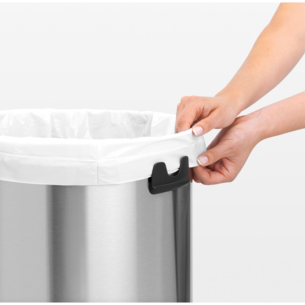 Кош за смет Brabantia Touch Bin 60L, Brilliant Steel, черен капак(7)