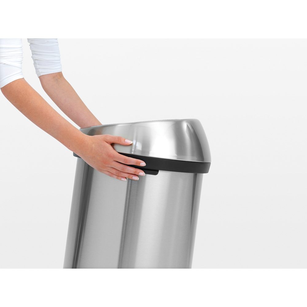 Кош за смет Brabantia Touch Bin 60L, Brilliant Steel, черен капак(8)