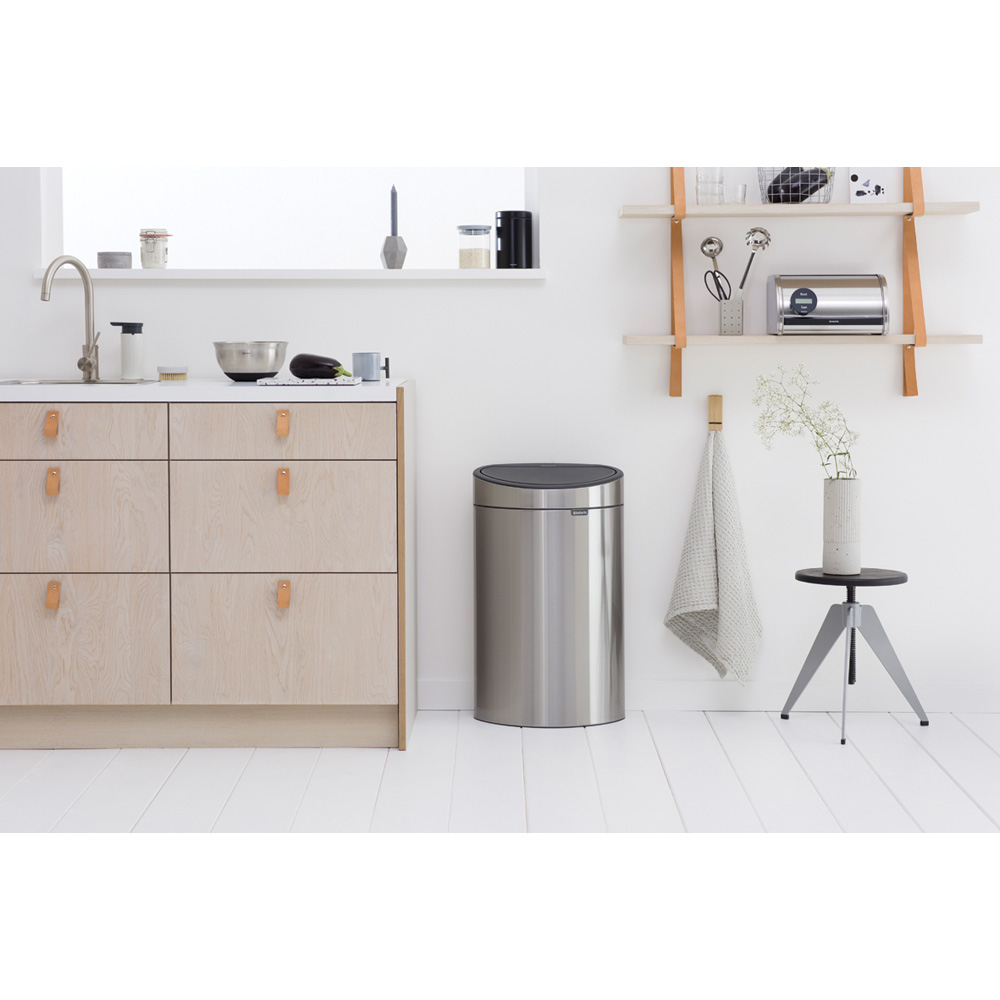 Кош за смет Brabantia Touch Bin New 40L, Matt Steel Fingerprint Proof(7)