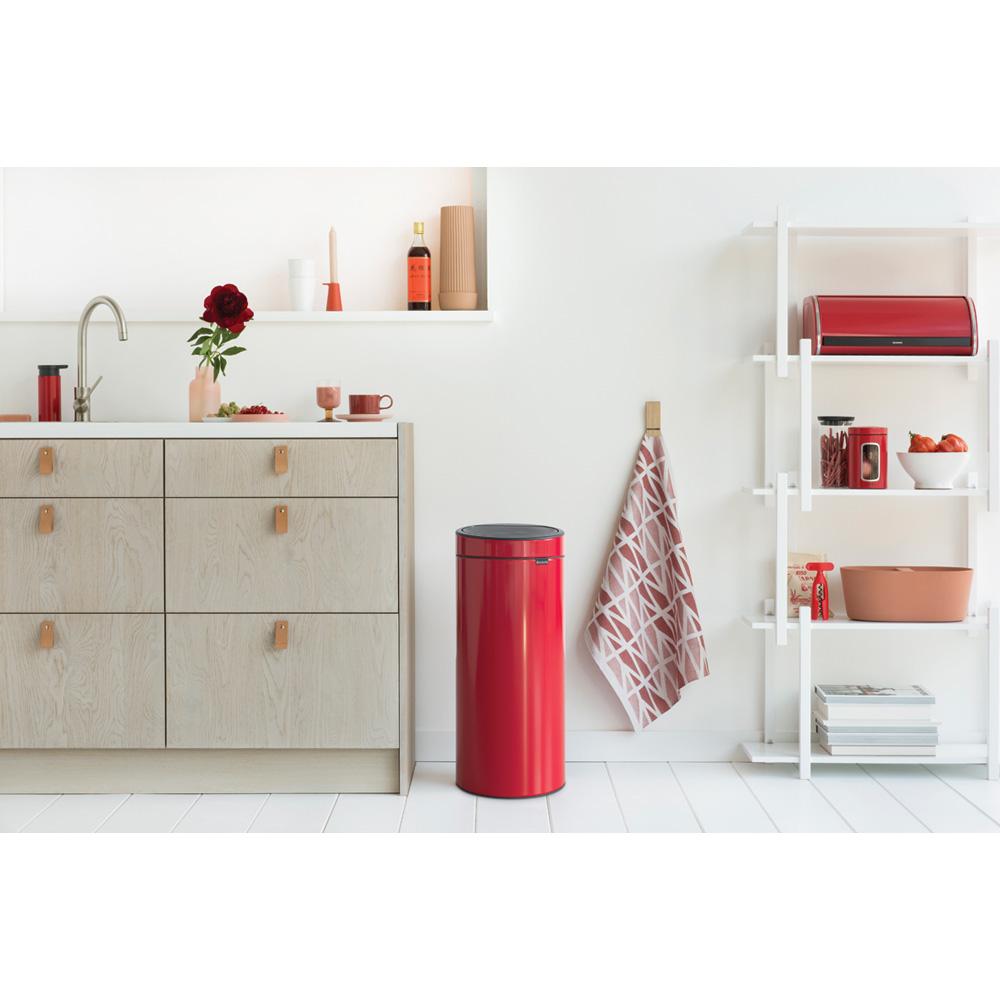 Кош за смет Brabantia Touch Bin New 30L, Passion Red(4)