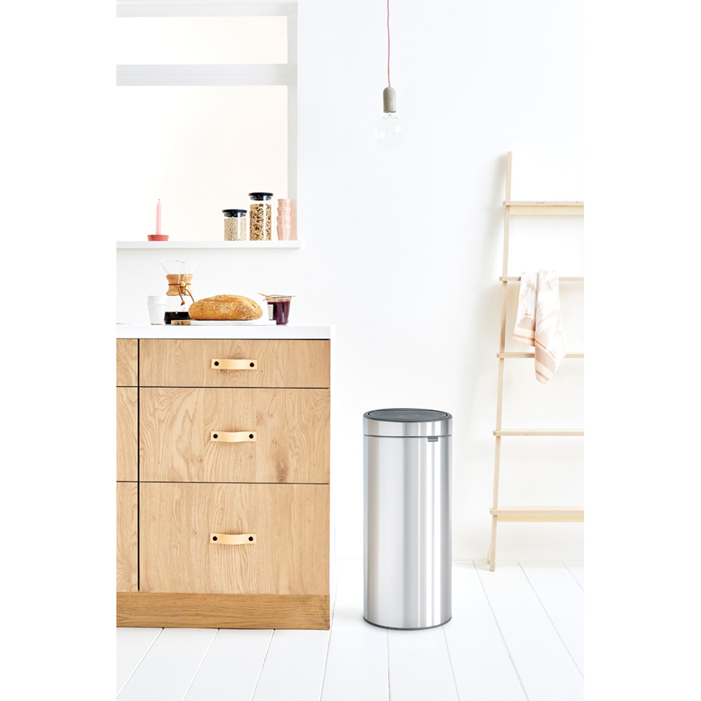 Кош за смет Brabantia Touch Bin New 30L, Matt Steel(5)