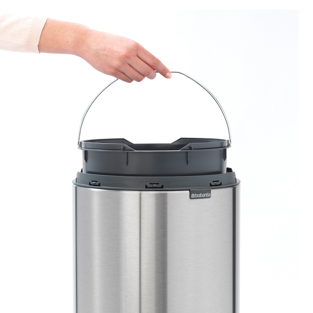 Кош за смет Brabantia Touch Bin New 30L, Matt Steel Fingerprint Proof(10)