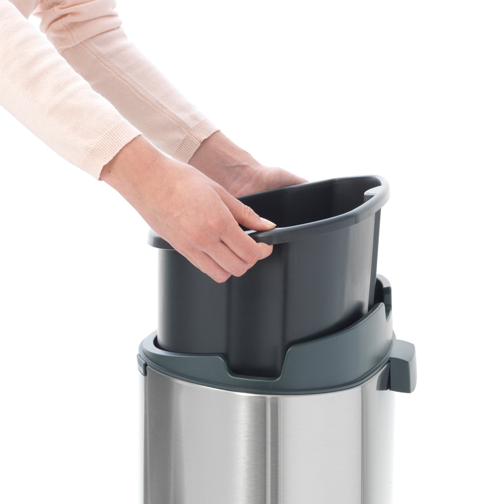 Кош за смет Brabantia Touch Bin New 40L, Platinum, капак металик(8)