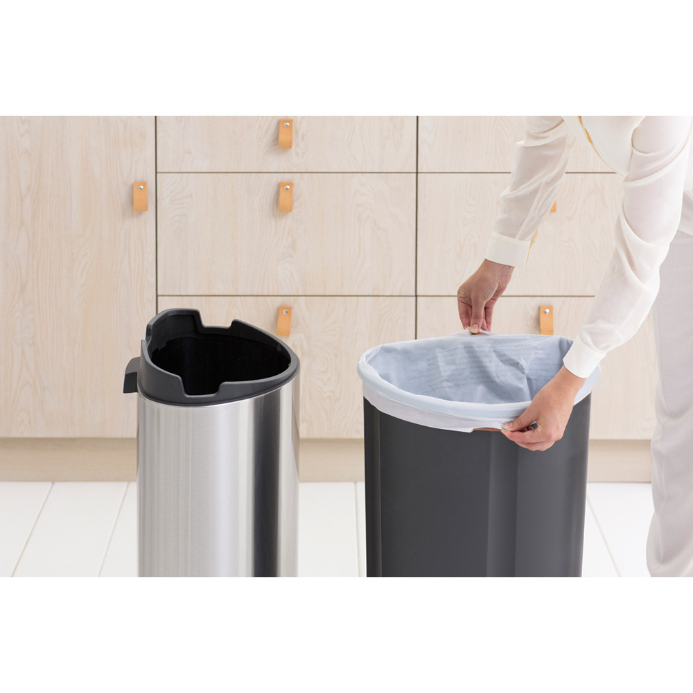 Кош за смет Brabantia Touch Bin New 40L, Platinum, капак металик(9)