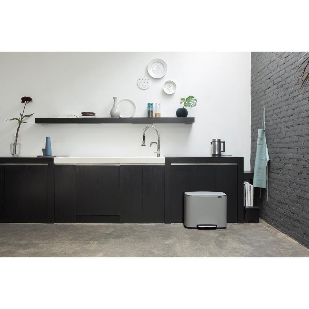 Кош за смет Brabantia Bo Pedal 36L, Mineral Concrete Grey(10)