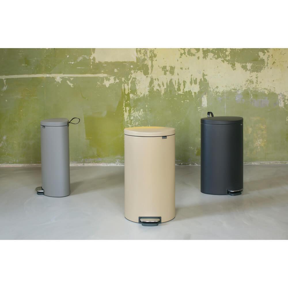 Кош за смет с педал Brabantia FlatBack+ 30L, Mineral Concrete Grey(8)