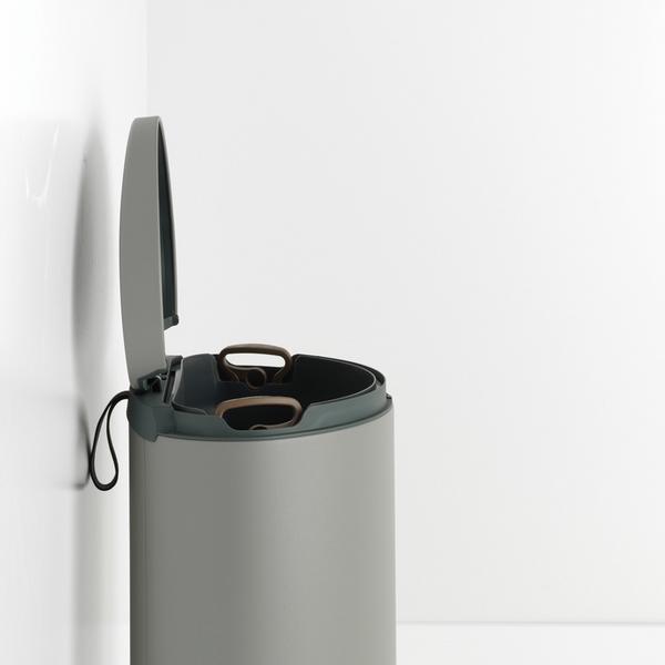 Кош за смет с педал Brabantia FlatBack+ 40L, Mineral Concrete Grey(3)