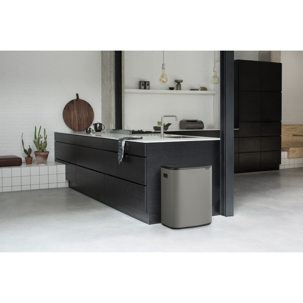 Кош за смет Brabantia Bo Touch 60L, Mineral Concrete Grey(12)