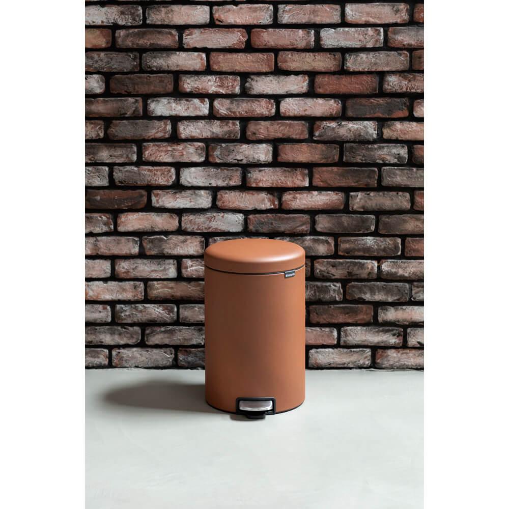 Кош за смет с педал Brabantia NewIcon 20L, Mineral Cinnamon(12)
