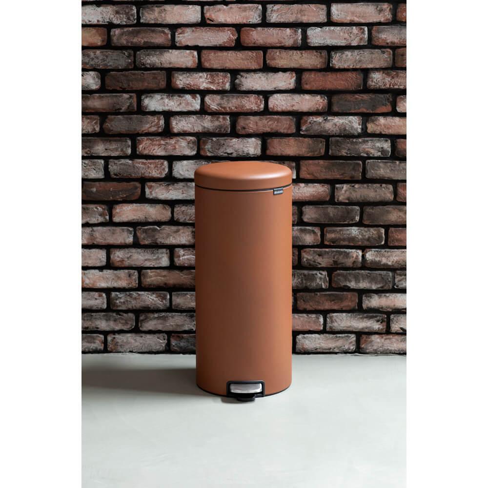 Кош за смет с педал Brabantia NewIcon 30L, Mineral Cinnamon(12)