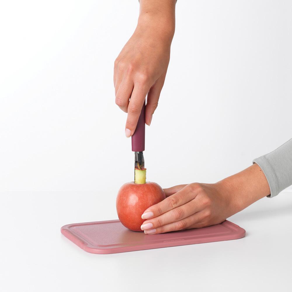 Уред за почистване на ябълки Brabantia Tasty+ Aubergine Red(3)