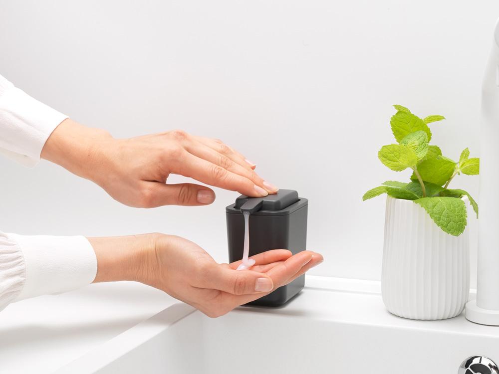 Дозатор за течен сапун Brabantia Dark Grey(4)