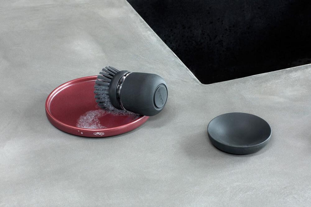 Четка с дозатор за течен сапун Brabantia Dark Grey(1)