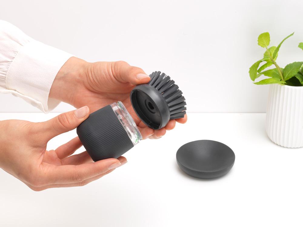 Четка с дозатор за течен сапун Brabantia Dark Grey(11)
