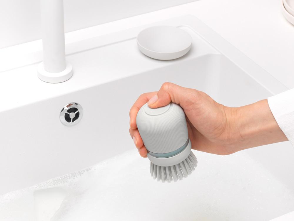 Четка с дозатор за течен сапун Brabantia Light Grey(8)